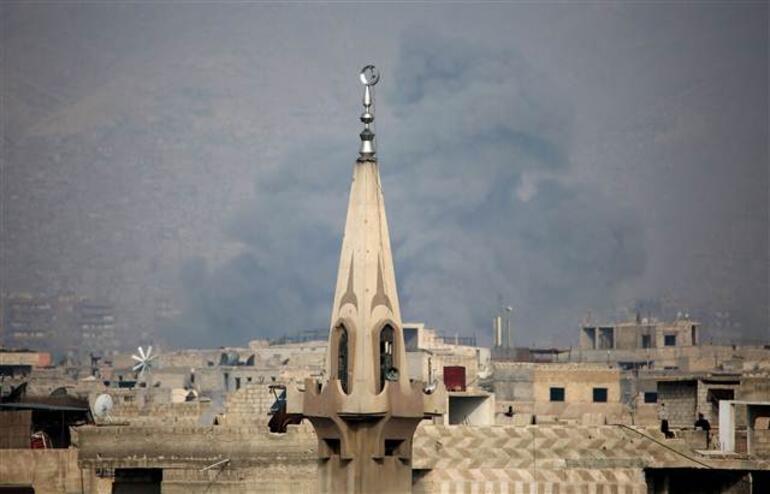 Suriyeden çatışma haberleri geliyor... Bombalar peş peşe patlıyor