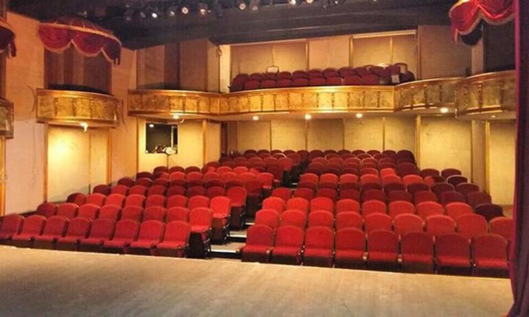 Şevket Çoruh 22 yıllık birikimini tiyatroya yatırdı