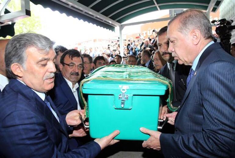 Cumhurbaşkanı Erdoğan, Abdullah Gülü yalnız bırakmadı