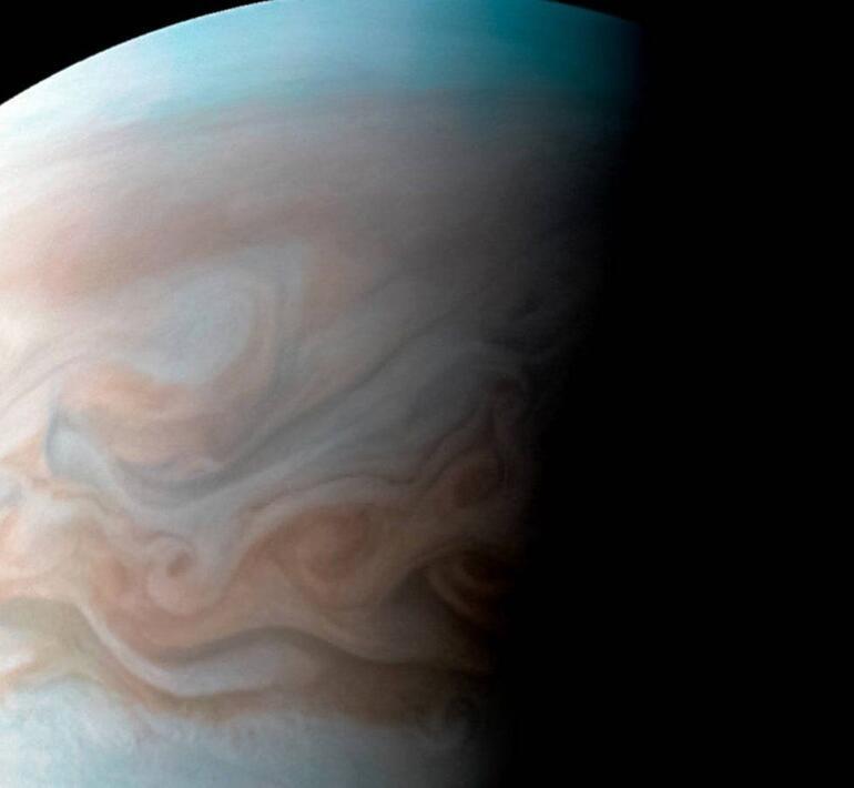 Jüpiteri hiç bu kadar yakından görmediniz