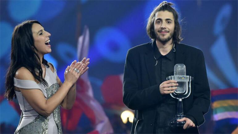 Eurovision 2017nin kazananı belli oldu Eurovisionda şoke eden an...