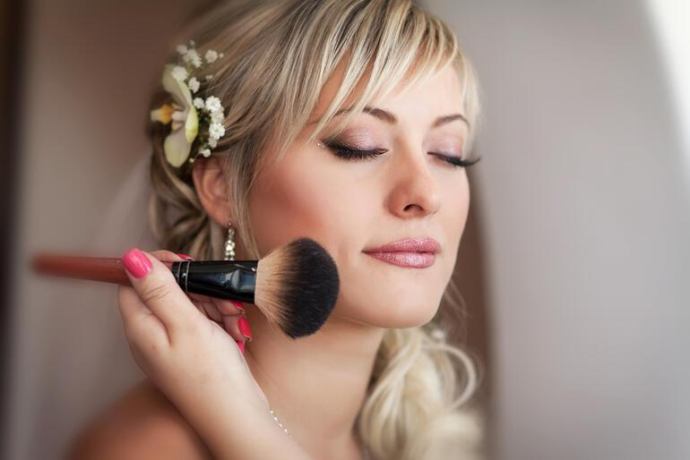 Gelin makyajında dikkat edilmesi gereken 12 önemli nokta
