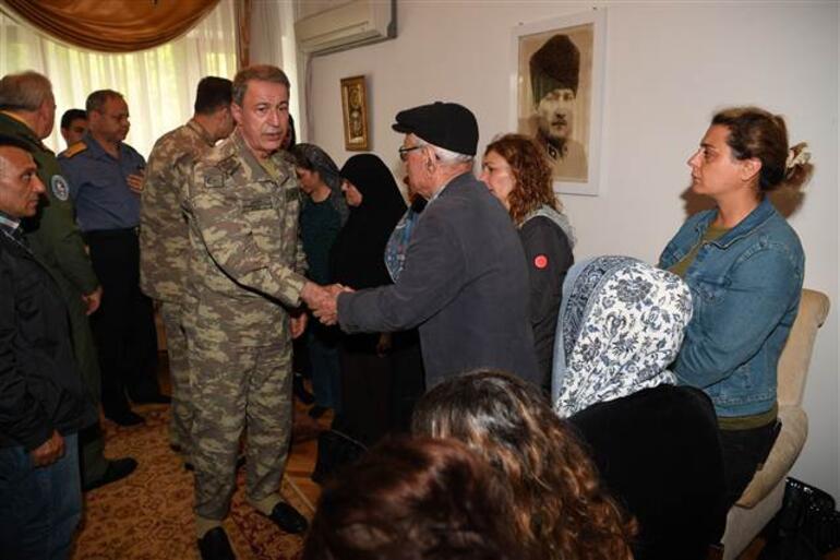 Cumhurbaşkanı Erdoğan ve Akardan şehit evine ziyaret