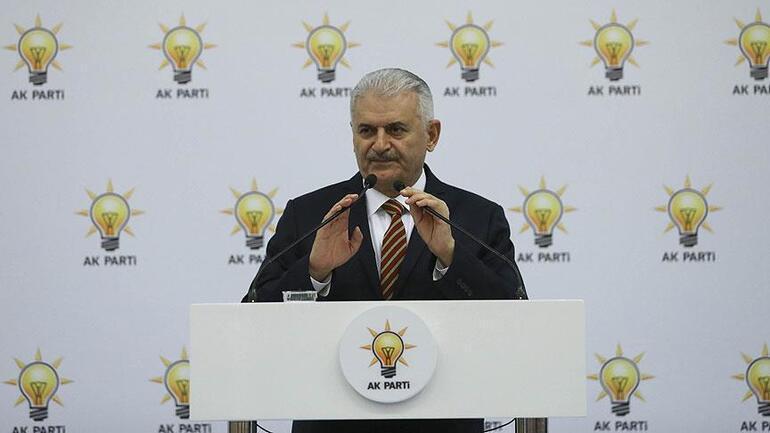 Bülent Arınç ve Ahmet Davutoğlu, Başbakan Yıldırımın iftarına katılmadı