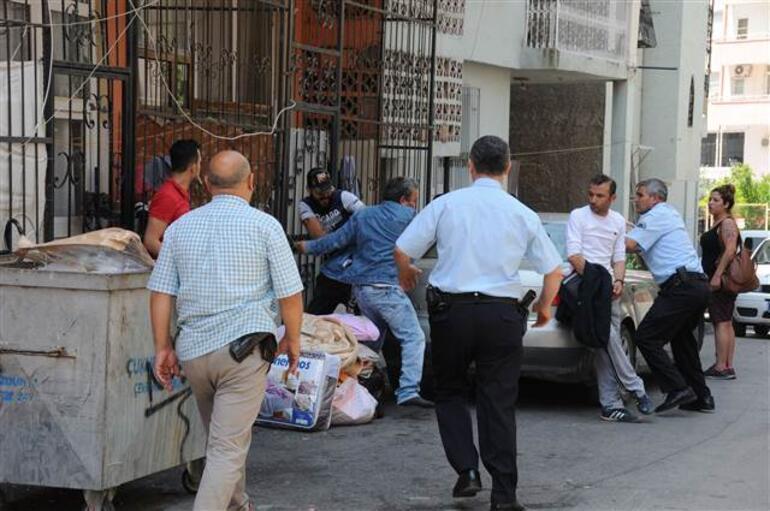 Polis bastı, ortalık karıştı... Çırılçıplak yakalandılar