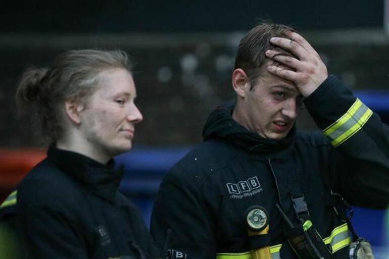 Son dakika: Londrada 27 katlı binada yangın dehşeti