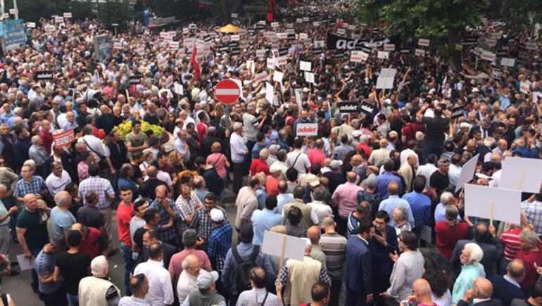 Son dakika... Kılıçdaroğlu Ankaradan yürüyüşe bu sözlerle başladı