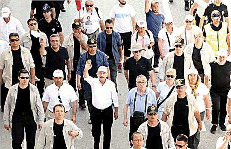 Kalabalıklar artınca Kılıçdaroğlu'nun cesareti, umudu artıyor