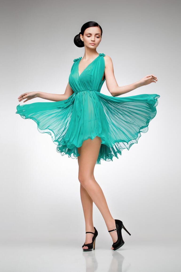 Yaz düğünlerinde tercih edebileceğiniz 5 abiye elbise