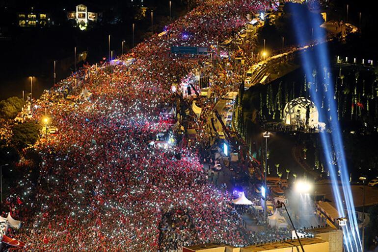 Cumhurbaşkanı Erdoğan 15 Temmuz Şehitler Köprüsünde konuştu: FETÖcülerin şuan daha iyi günleri