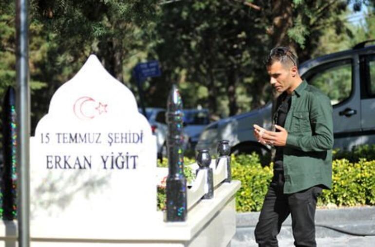 Cumhurbaşkanı Erdoğan 15 Temmuz şehidinin ikizini yanına koruma olarak aldı