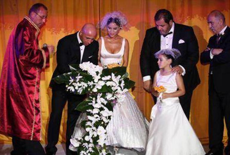 Irmak Ünal ile Emre Karabacak boşanıyor