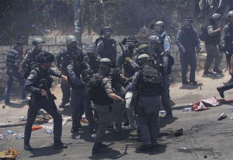 Kudüste Mescid-i Aksa gerilimi 1 ölü, 150 yaralı var
