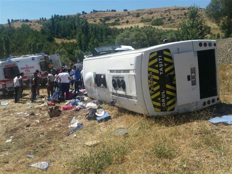 Kayseri tur otobüsü devrildi: 26 yaralı