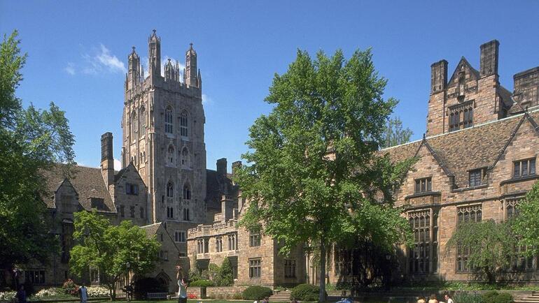 Yale 4 yıllık burs verdi