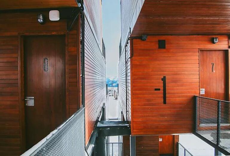 Diğer otellerden çok farklı: Konteyner otel