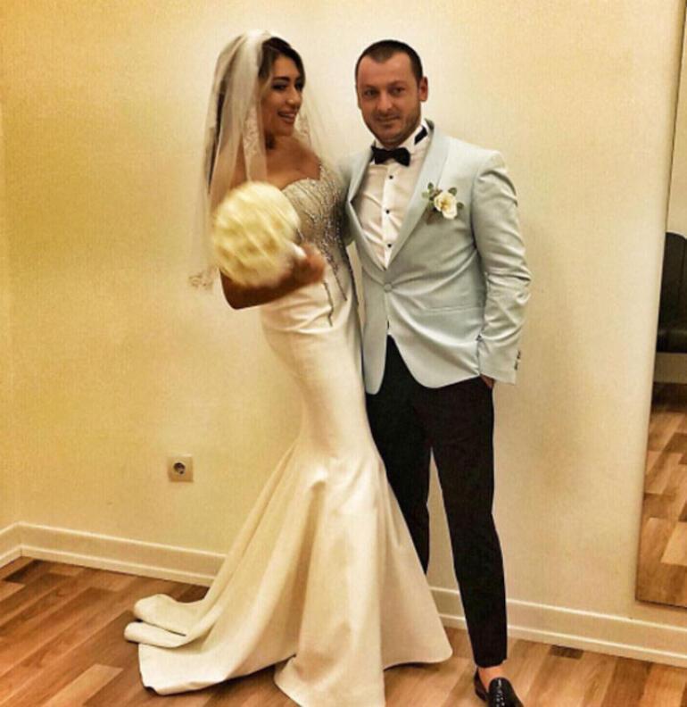 Genç şarkıcı evlendi