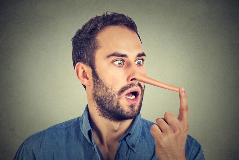 Herkesin sevgilisine hayatında en az 1 kez söylediği 5 pembe yalan