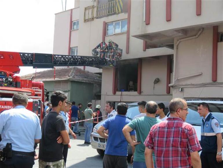 Son dakika... Zeytinburnunda yangın: Bir kişi öldü, 10 yaralı var