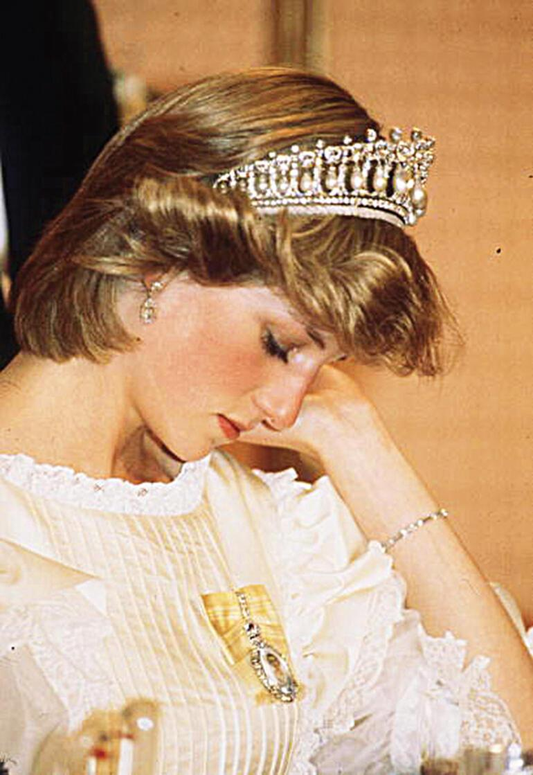 princess diana the great deeds and spirit of one of the most celebrated woman in the world While diana modernized the monarchy's image, she also became a phenomenon all her own by the time she attended a white house gala in 1985, americans were mesmerized the instantly iconic image of the princess and john travolta twirling across the dance floor solidified hollywood's love affair.
