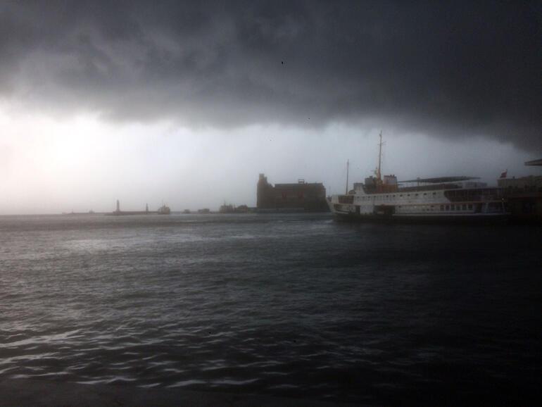 İstanbulda alarm... Yağış başladı