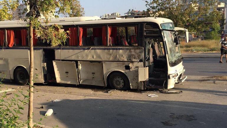 Son dakika: İzmirde cezaevi servisinin geçişi sırasında patlama, yaralılar var
