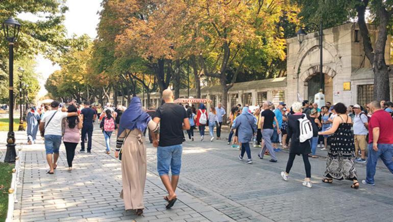 Bayramda Türkler sahillere Araplar İstanbul'a akın etti