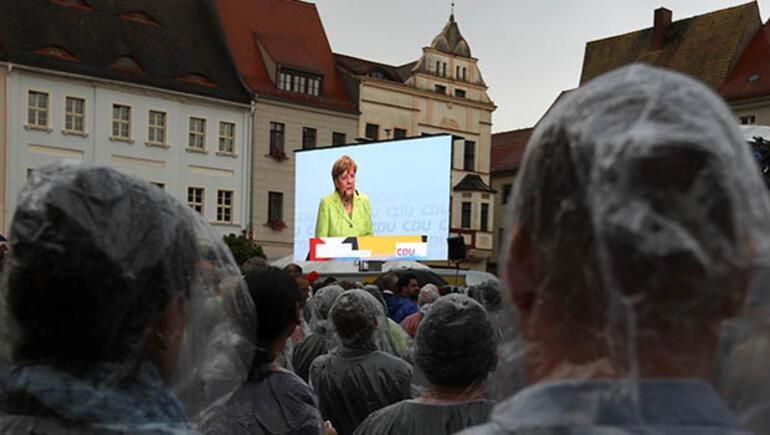 Merkelden yeni Türkiye açıklaması: Söz konusu olamaz