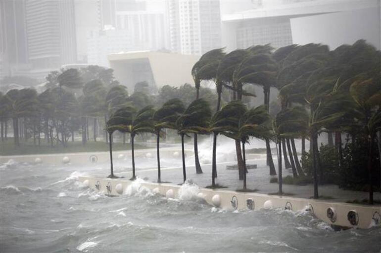Son dakika... Irma Kasırgası Floridada