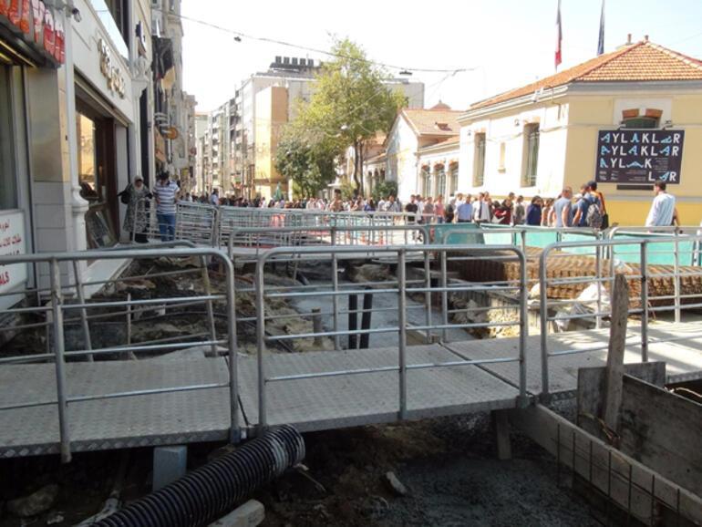 Taksimde şoke eden görüntü İstiklal Caddesini fareler bastı