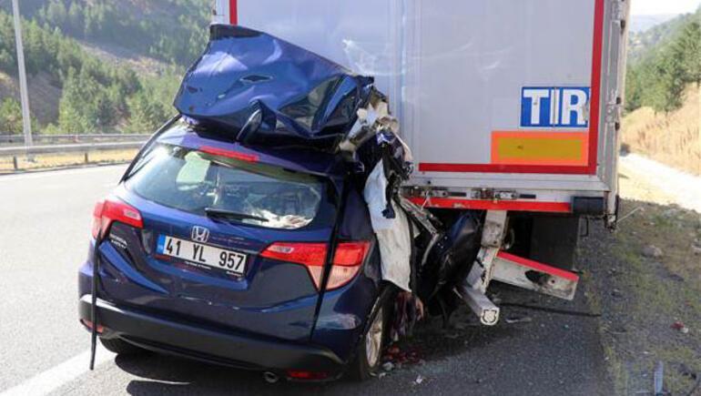 Feci kaza... Hız göstergesi yola savruldu