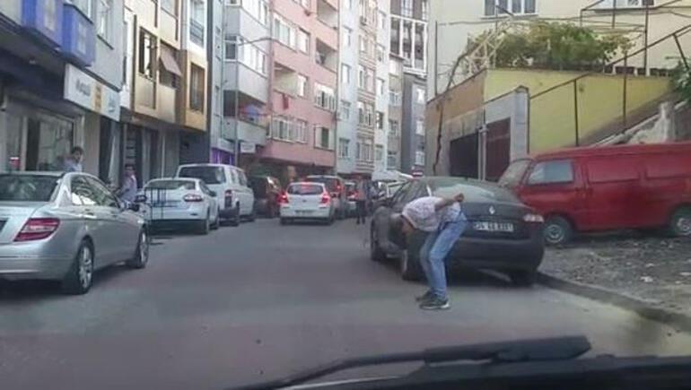 İstanbulun göbeği... Genç kadının yardımına koştular