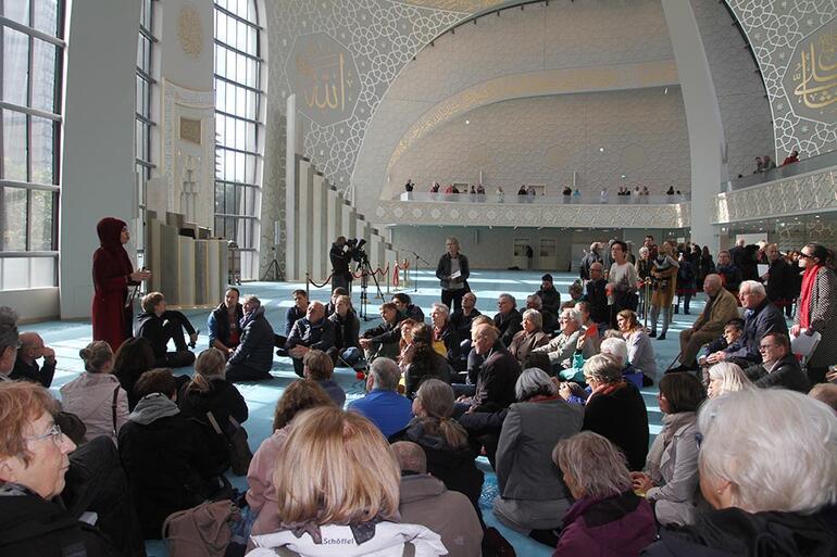 Almanya'da camilerde 'Açık Kapı Günü' etkinliği düzenlendi