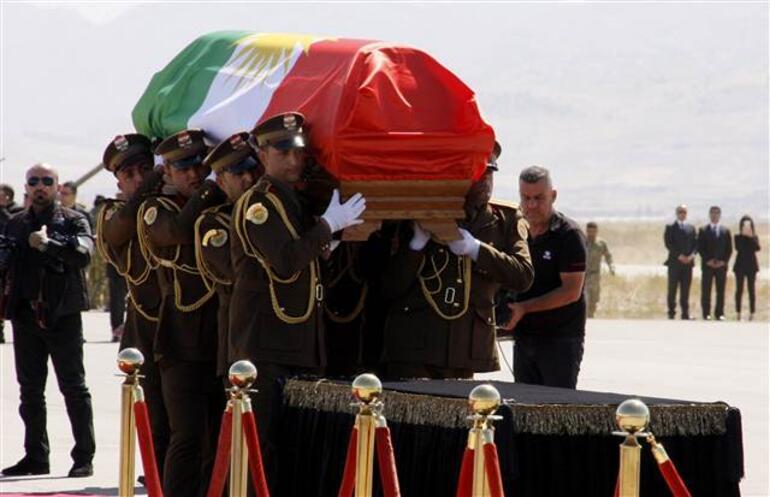 Talabaniye kalabalık cenaze töreni... Kriz çıktı