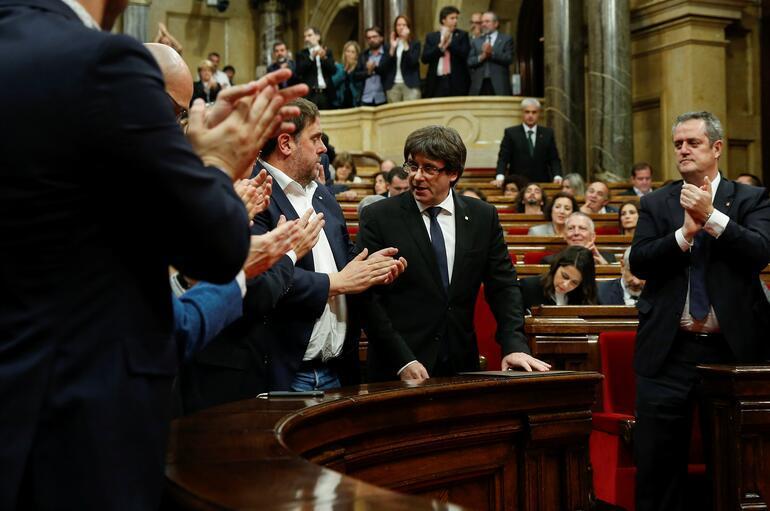Son dakika... Katalonya Başbakanı: Bağımsızlık ilanını askıya alıyorum