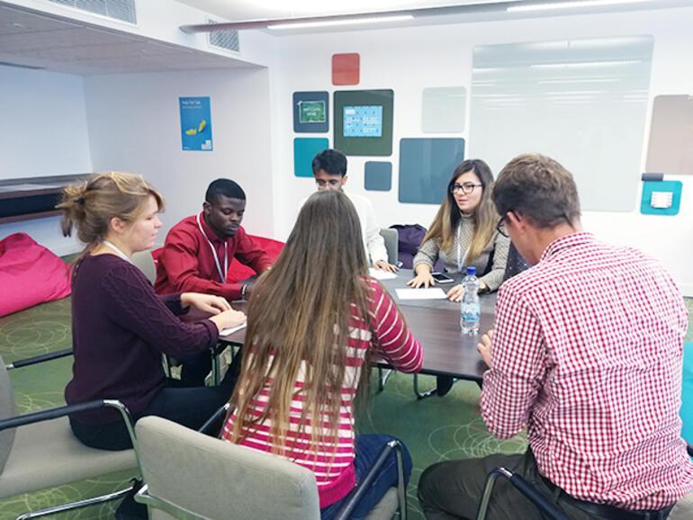 Brüksel'de gençler dünyanın geleceğini tartıştı