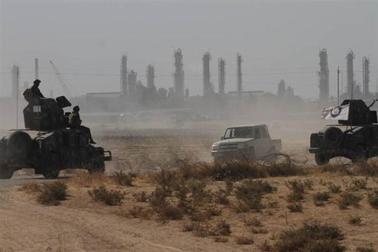 Son dakika Irak ordusu Kerkükü ele geçirdi... Peşmerge kaçtı