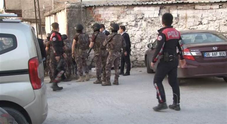 Ankara hastane yakınında silah sesleri Saldırgan vuruldu...