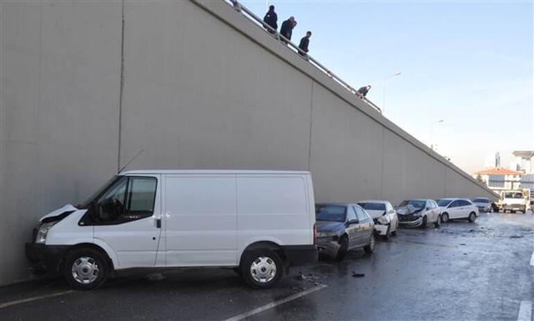 Ankarada akılalmaz kaza 23 araç birbirine girdi