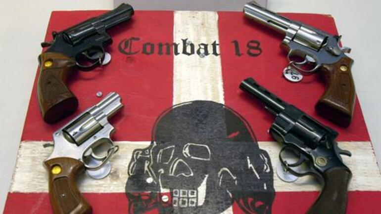 Almanyada korkunç tablo Aşırı sağcılar silahlandı...