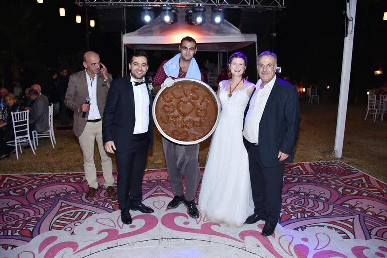 Avusturyalı geline Adana düğünü