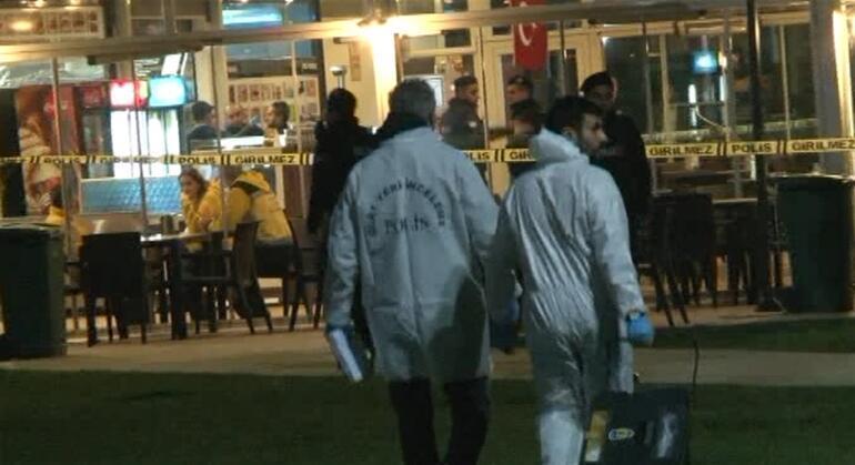 İstanbulda kafede silahlar patladı: Yaşamını yitirenler var