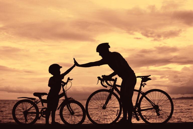 Çocukla çocuk olmak için 12 mutluluk veren neden