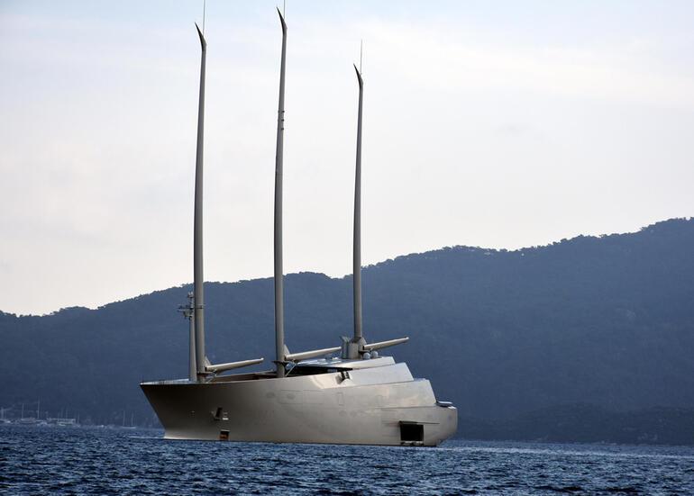 Rus milyarderin yelkenli yatı Marmaris'te