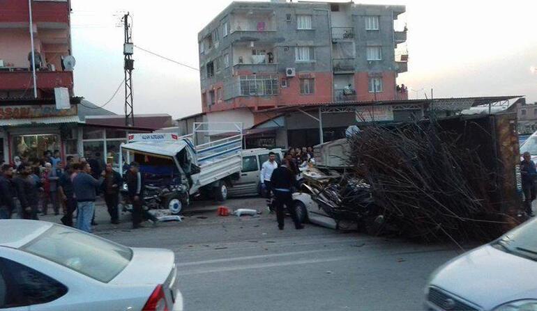 Freni boşalan kamyon, mahalleyi savaş alanına çevirdi