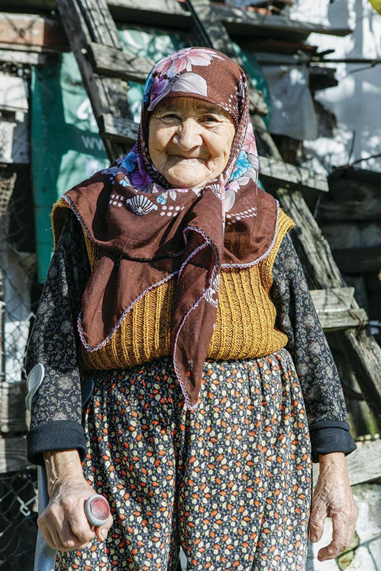 59 yaşındaki oyuncu Erkan Candan aksiyon performansı 85