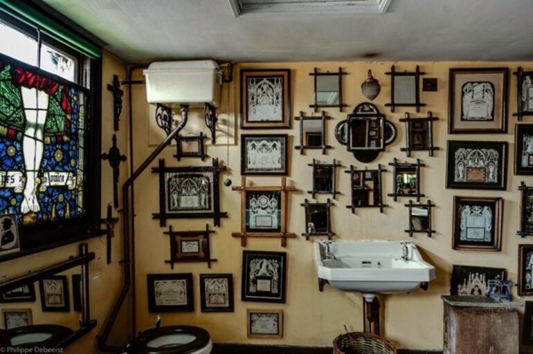 Kapıları ürkütücü bir dünyaya açılan 265 yıllık ev