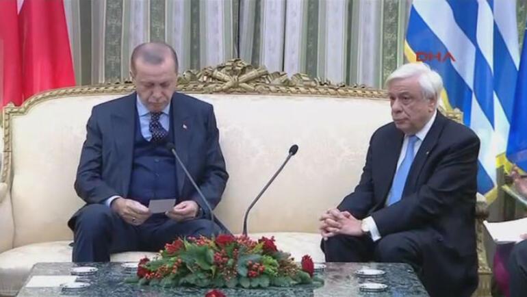 Son dakika... Atinadaki ortak açıklamada polemik... Erdoğandan sert sözler