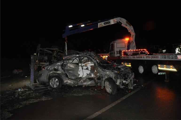 Yollar kan gölü... Trafik kazalarında ölüler ve yaralılar var