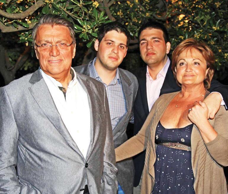 Yılmaz ailesini sarsan acı... Mesut Yılmaz ve Berna Yılmaz acı haberi aldı...